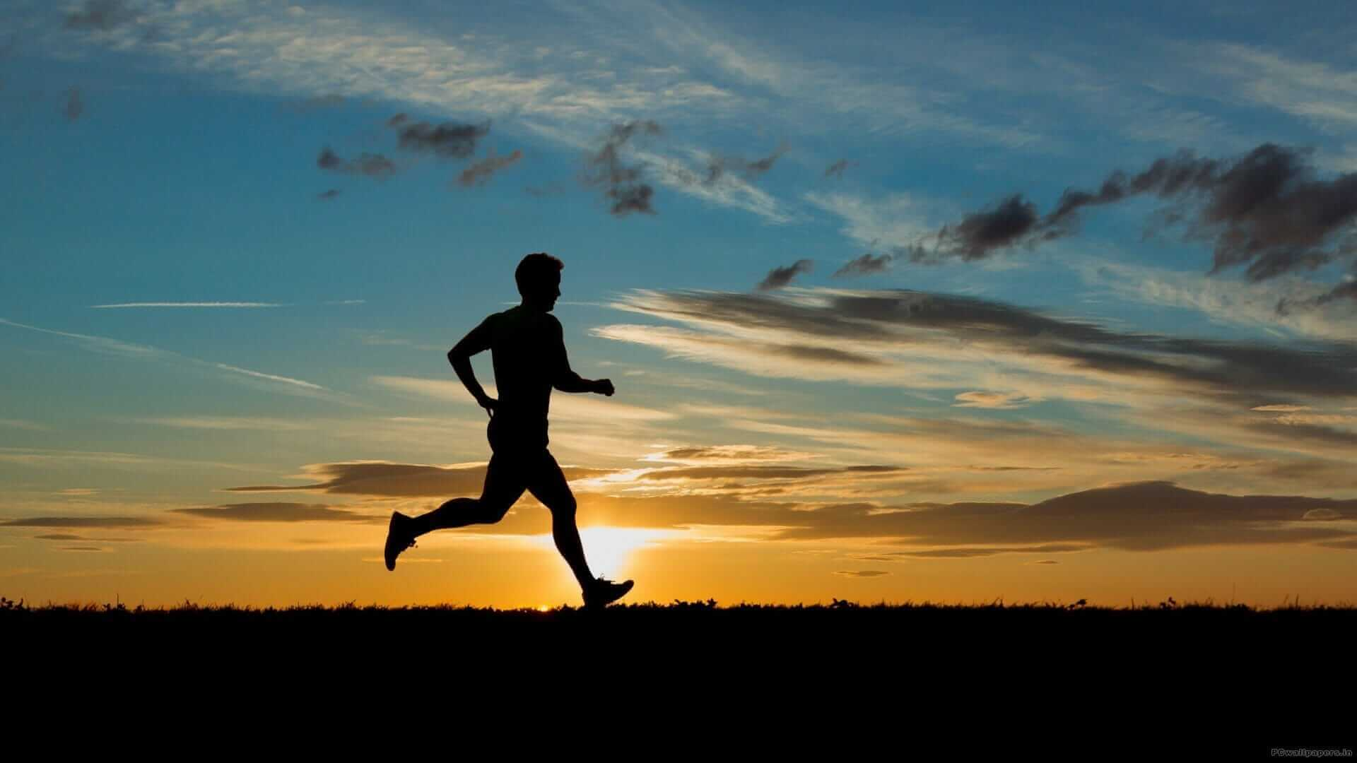 man running without pain because he received physical therapy canal winchester