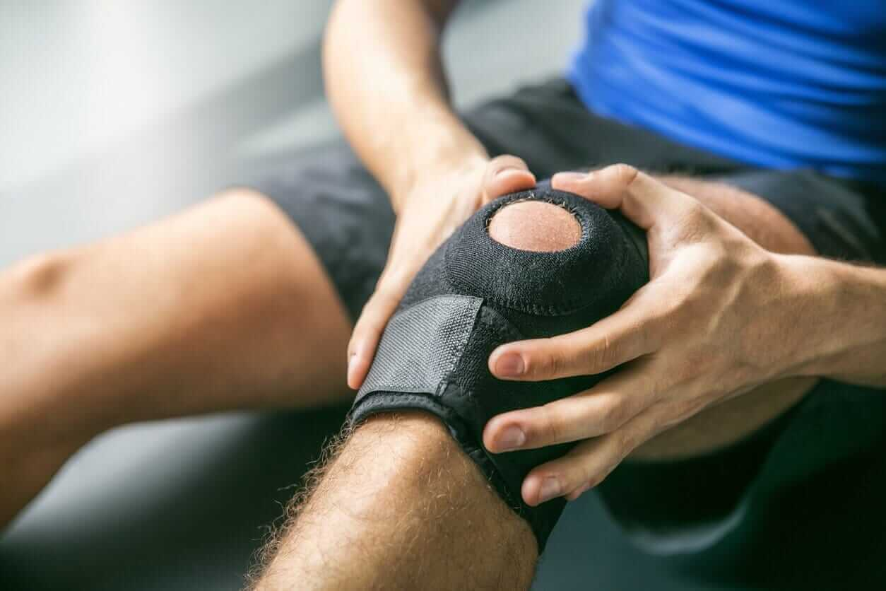 Why Do I Have Knee Pain? The 5 Most Common Types of Knee Pain
