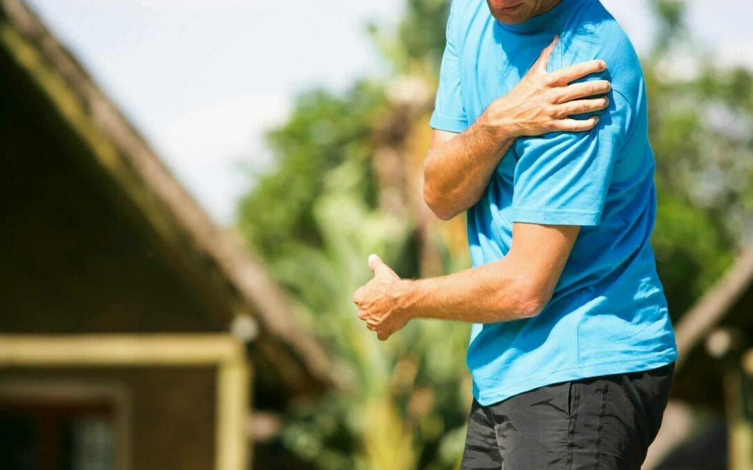 What is Causing My Shoulder Pain? 5 Common Causes of Shoulder Pain